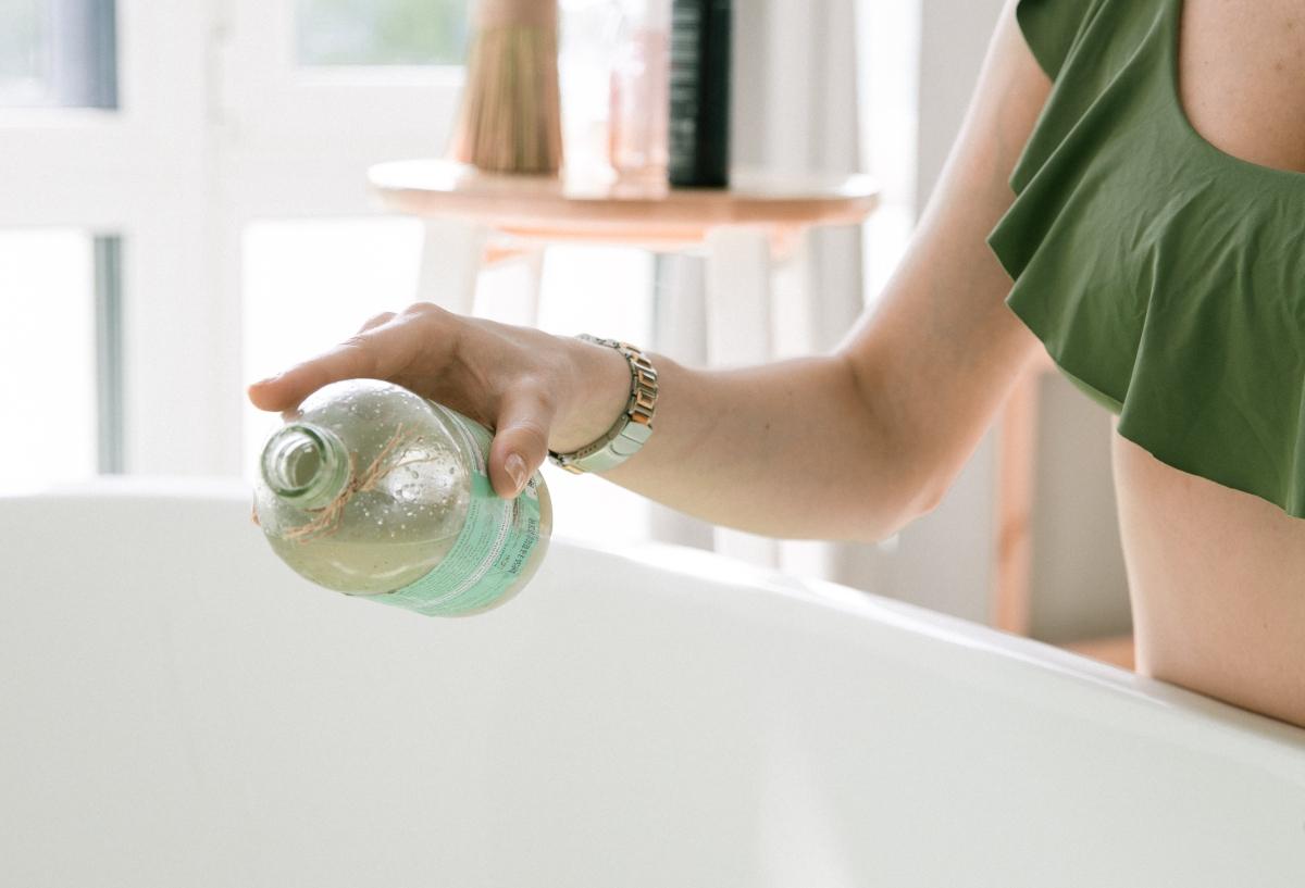 Agua micelar en las pieles grasas