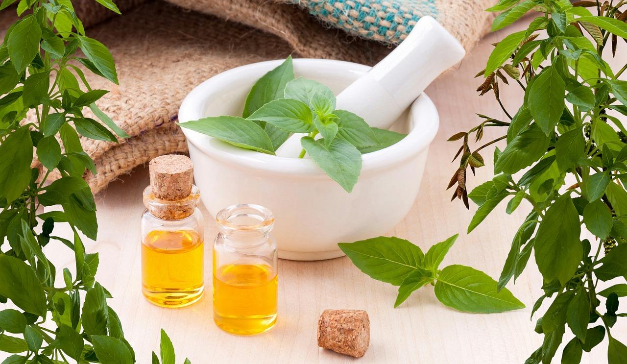 Contorno de ojos con aceite de jojoba aceite de albaricoque otros elementos
