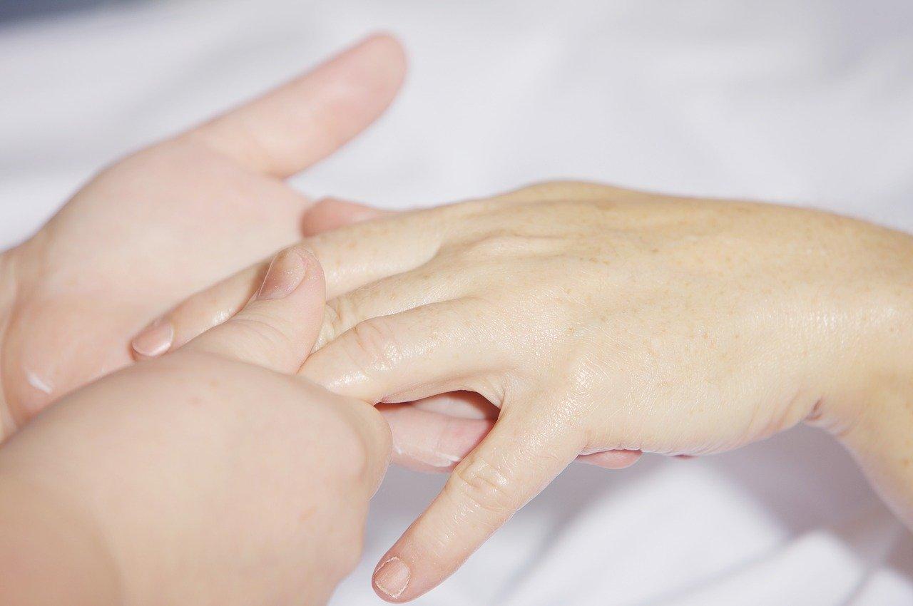 Mascarilla casera para manos maltratadas