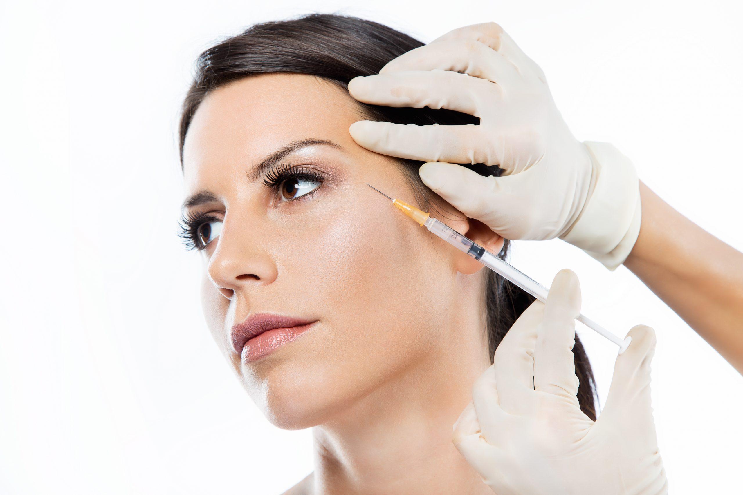 Formas de aplicar en el contorno de los ojos