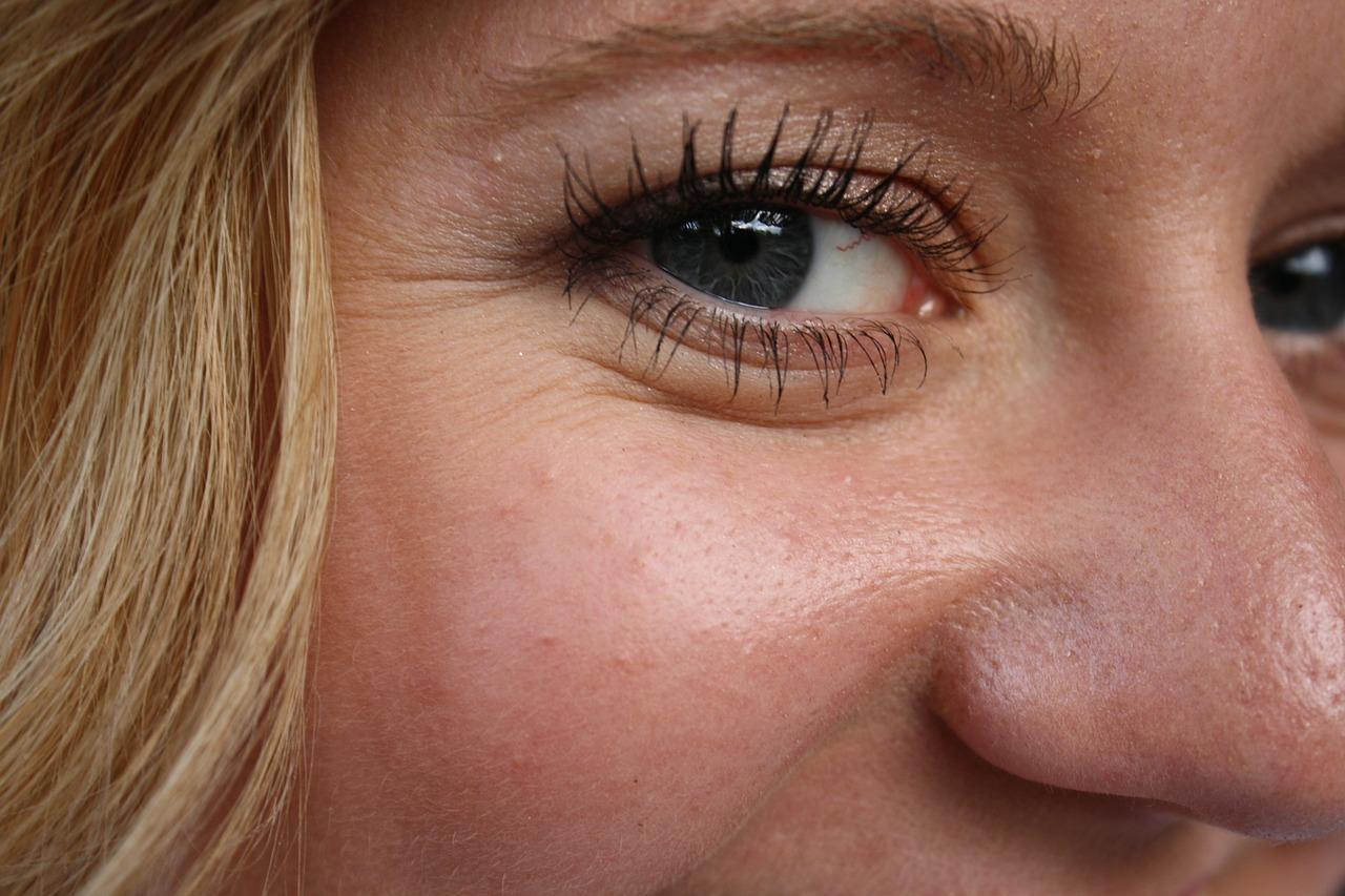 Por qué esta área requiere una solución distinta que el resto de tu piel