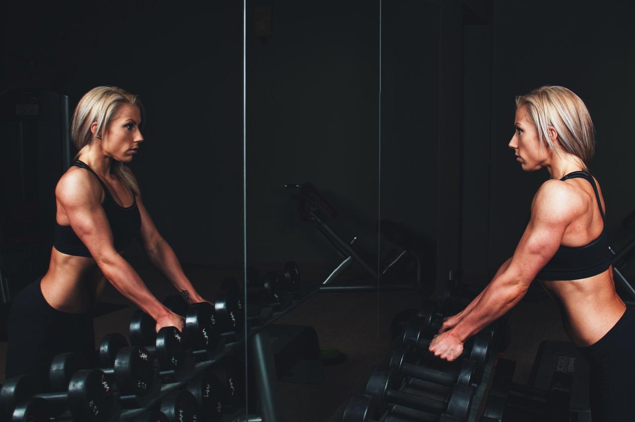 Los mejores ejercicios para tratar la flacidez en los brazos